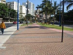 Piso BERNINI aplicado na obra de requalificação da Av. Centenário em Salvador, Bahia.