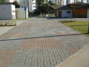 Piso BERNINI aplicado na obra de requalificação do largo do Imbuí em Salvador, Bahia.