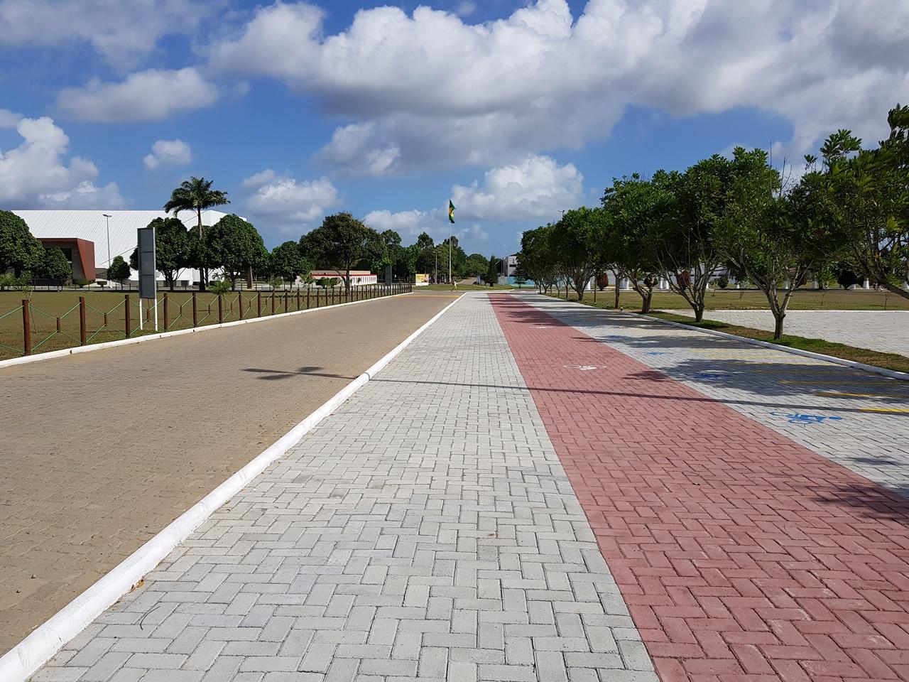 Piso BERNINI Street aplicado na obra da Faculdade Adventista do Município de Cachoeira, Bahia.