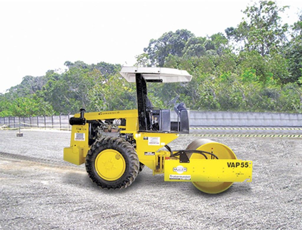 Máquinas sendo utilizadas na preparação do solo pela concretiza.